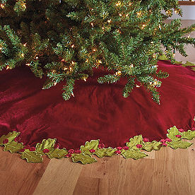 Holly Border Tree Skirt