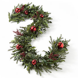 Battery-operated Holly and Berry Christmas Garland