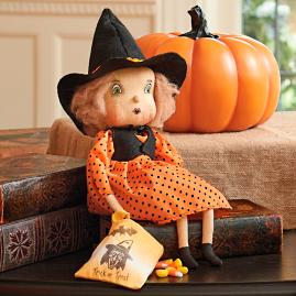 Joe Spencer Trick or Treat Felicity Witch Figure