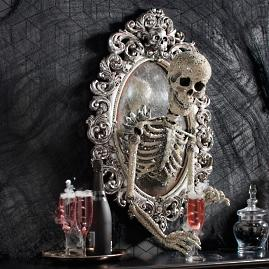 Sorceress Skull Framed Mirror |