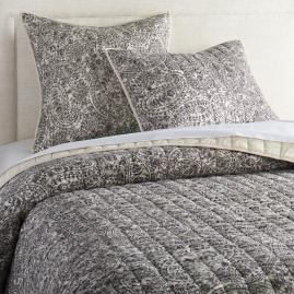 Arden Paisley Quilt and Sham |