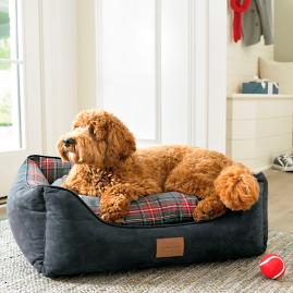 Cuddle Lounge Pet Bed |