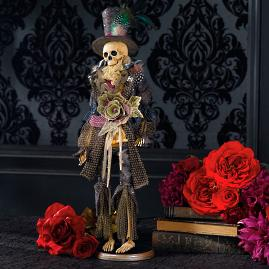 Mark Roberts Regal Fashion Skeletons |
