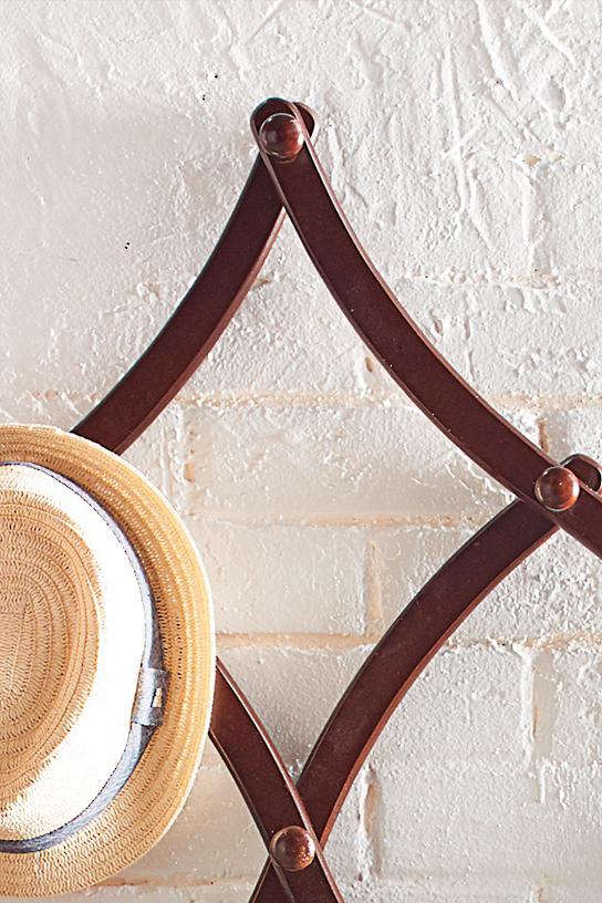 I Need Ideas For Decorating My Living Room: Expandable Coat Rack