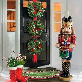 Cordless Holly and Berry Wreaths on Ribbon |