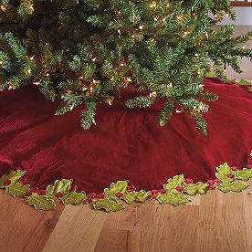 Holly Border Tree Skirt
