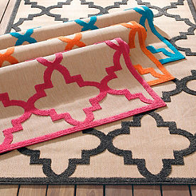 Percy High-Low Trellis Outdoor Rug