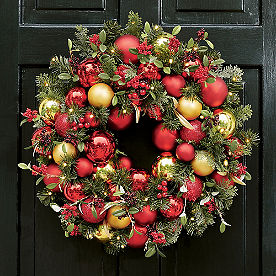 Holiday Tradition Cordless Wreath