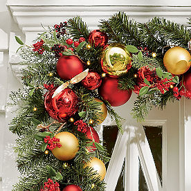 Holiday Tradition Cordless Garland
