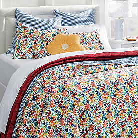 Ditsy Floral Quilt