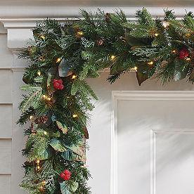 Pre-lit Woodland Christmas Garland