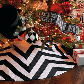 Chevron Black and White Tree Skirt