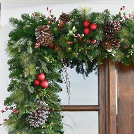 Hadley Holiday Cordless Garland