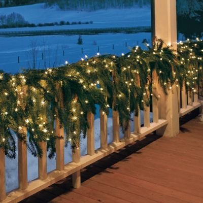 Martha Stewart Pre Lit Outdoor Flowing Christmas Garland