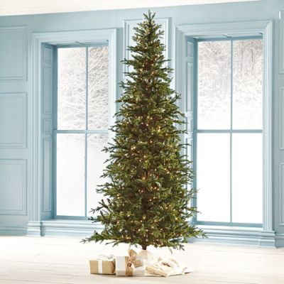 How To Select And Decorate Your Christmas Tree