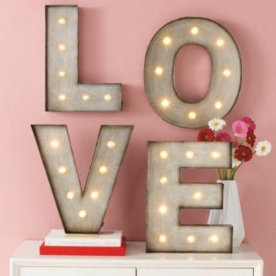 Valentine's Day Gifts & Ideas + 2018 Love Horoscope   Grandin Road