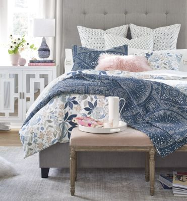 How to quickly fill a blanket in a duvet cover: tips and tricks