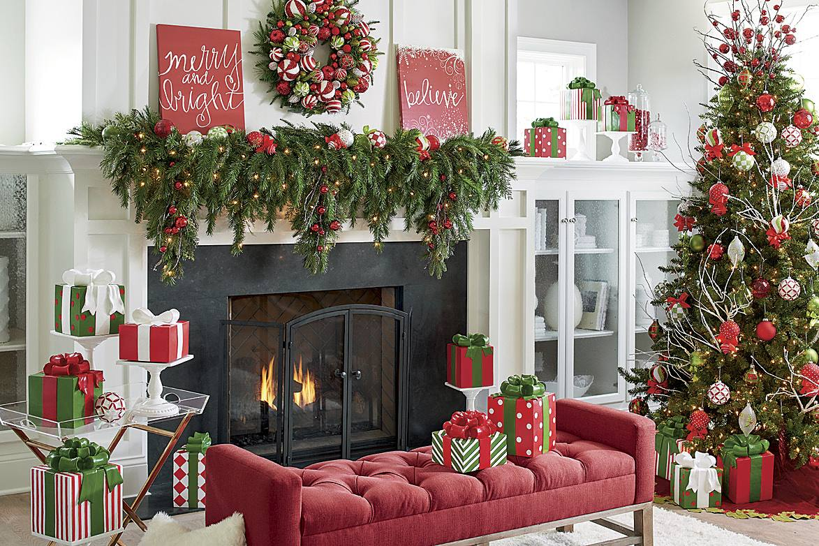 Christmas Mantel Ideas.How To Decorate A Christmas Mantel Updated Traditional
