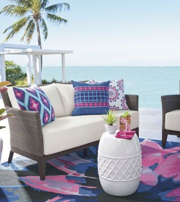 Our Glen Arbor Outdoor Upholstered Furniture, Shown At The Beginning Of  This Article, Looks Like It Could Be A Casual Indoor Collection.