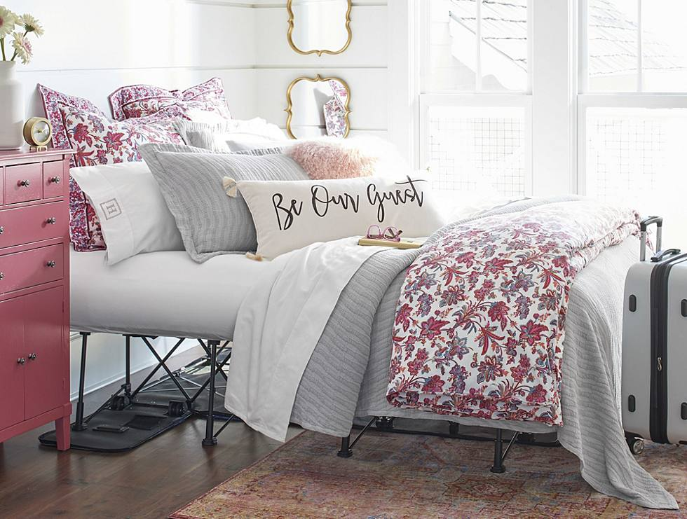 how to layer your bed our best bedscaping tips grandin road blog. Black Bedroom Furniture Sets. Home Design Ideas