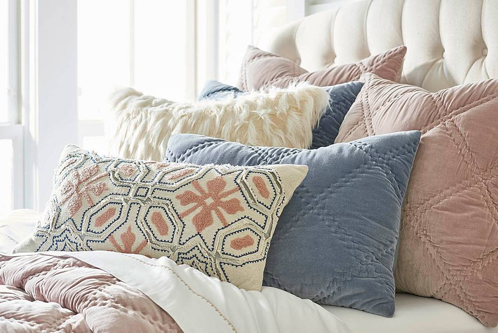 How To Layer Your Bed: Our Best Bedscaping Tips - Grandin ...