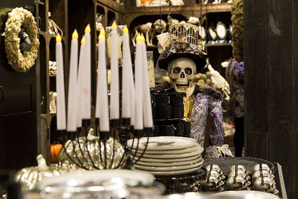 The Scare at Herald Square: Grandin Road Halloween Shop opens at ...